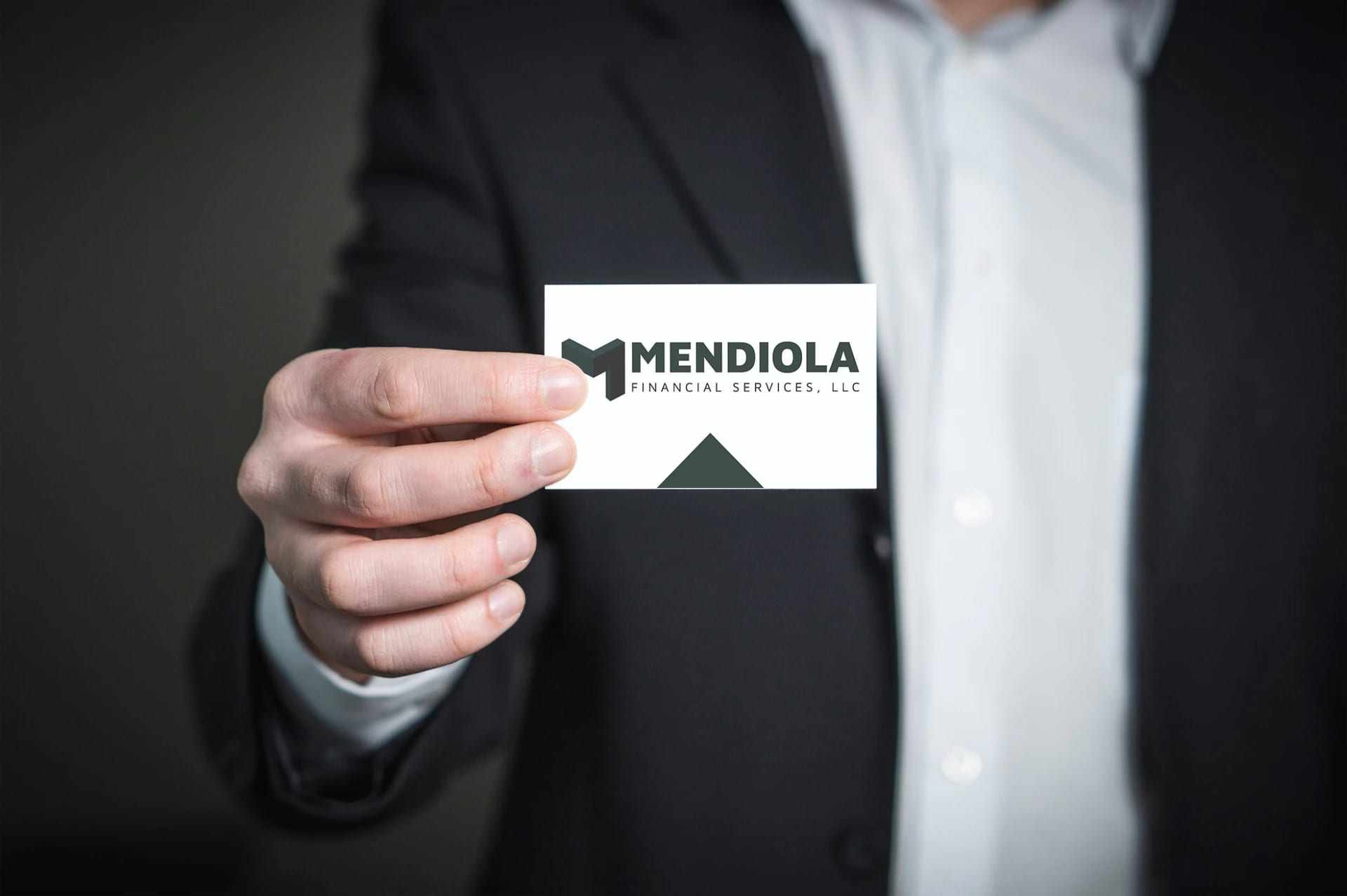 Mendiola Business Card Mockup